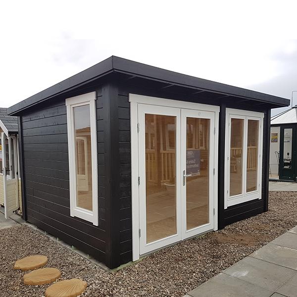 Lillevilla Stenberga Log Cabin