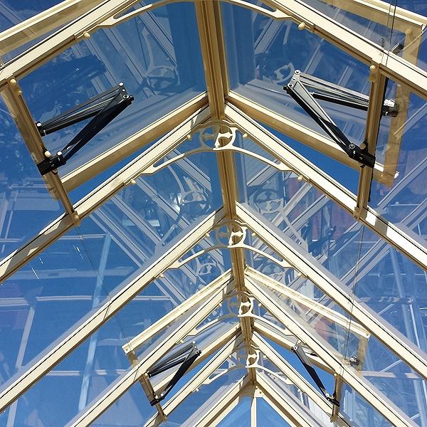 Robinsons Rushmoor Dwarf Wall Greenhouse