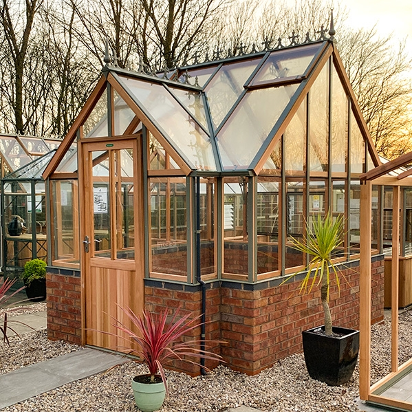 Alton Elmhurst Dwarf Wall Victorian Greenhouse
